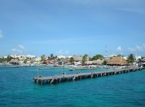 Arriving at the dock at Isla Mujeres... *gulp*